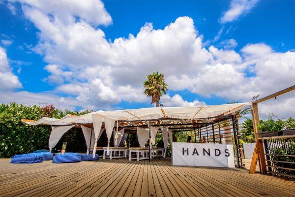 The Hands - Varkiza Resort - Beach Mall - The Beach Concept - Καταστήματα